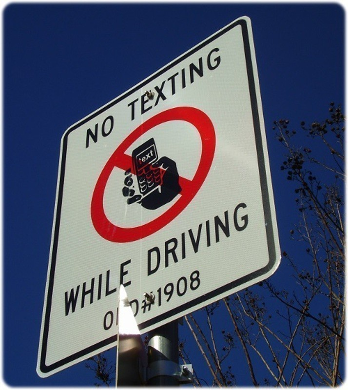 New Technology can detect if your texting behind the wheel. No texting whilst driving sign