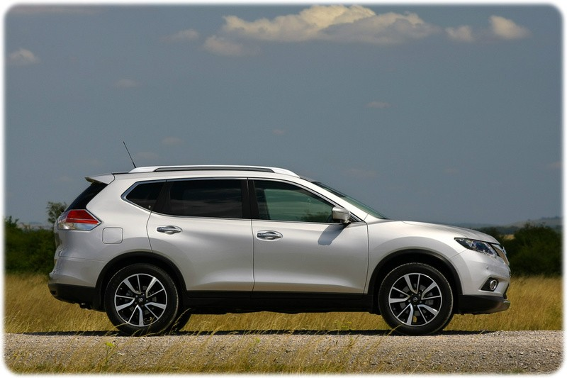 Nissan-X-Trail-Side-Tekna-Deal