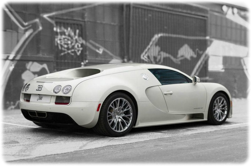 The_very_last_Bugatti_Veyron_Super_Sport_will_go_under_the_hammer_rear_side