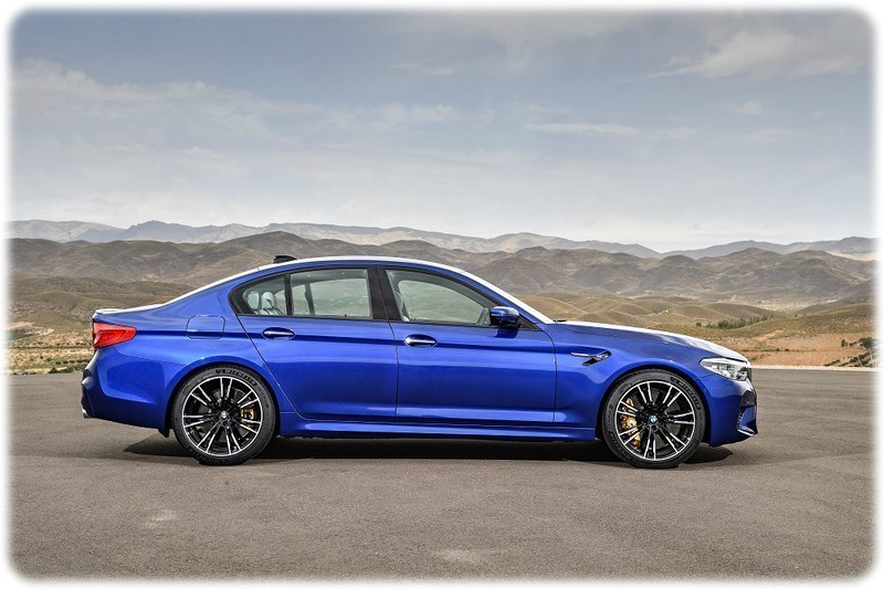 New 2018 BMW M5 side view