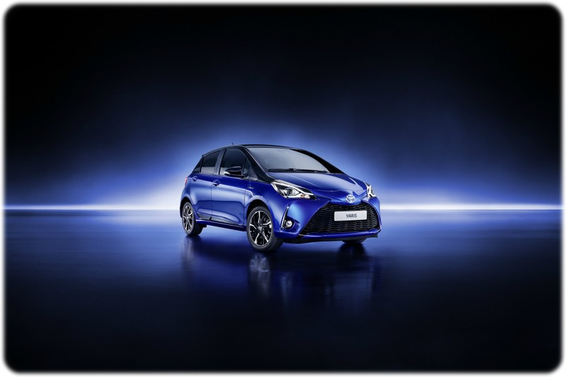 The new 2017 Toyota Yaris Fornt view