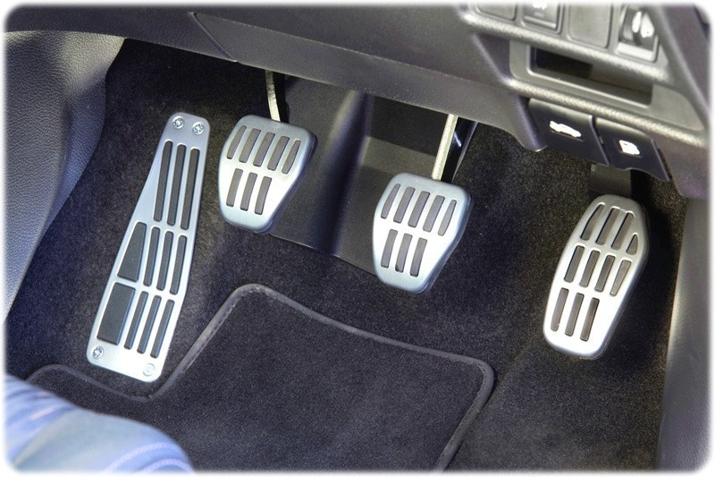 A close up of the platinum edition sport pedals