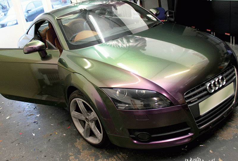 Car with pearlescent paint finsih