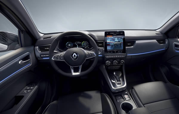 Renault Arkana interior dashboard photo