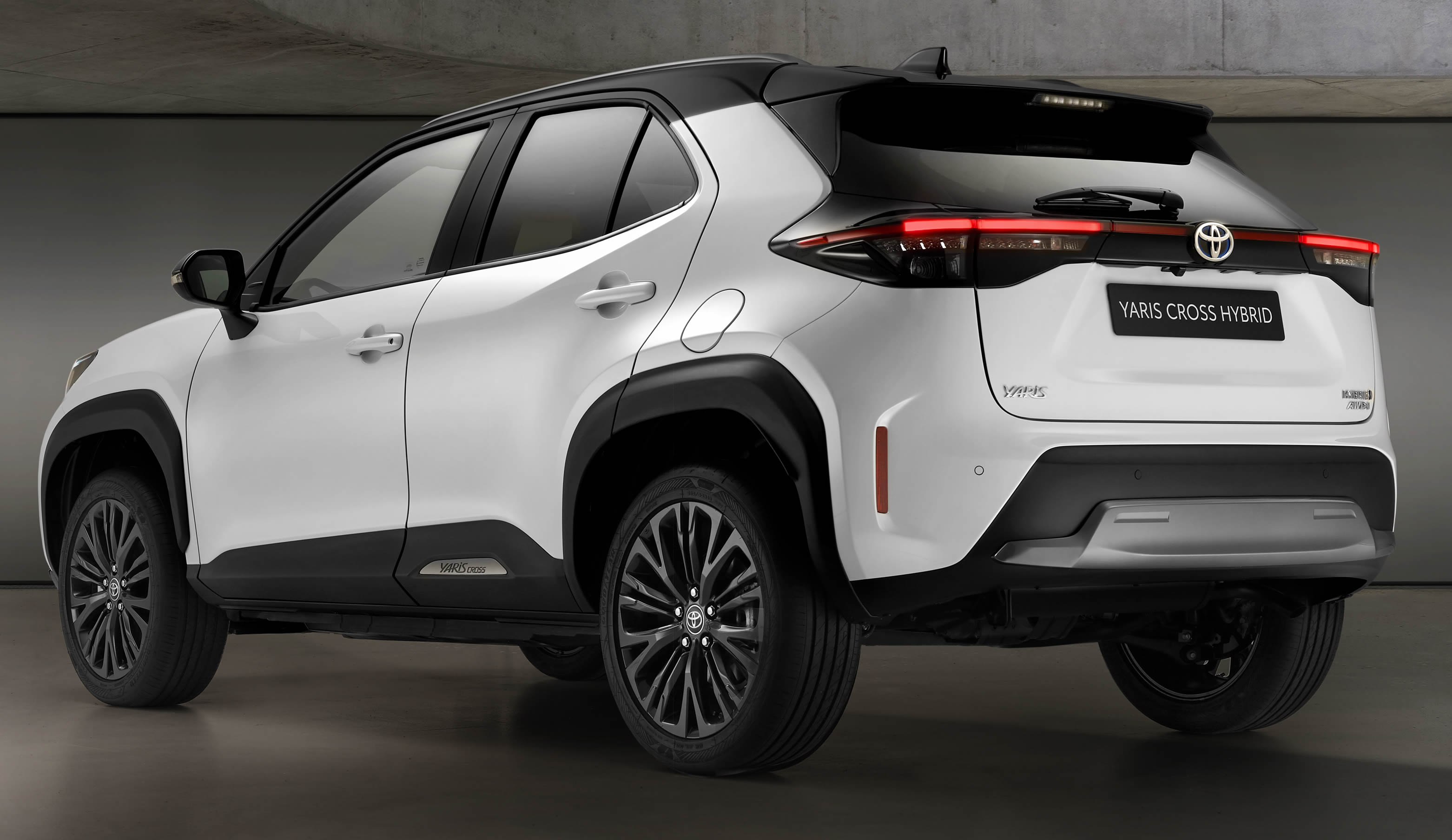 2021 new Toyota Yaris Cross Dynamic exterior image from rear